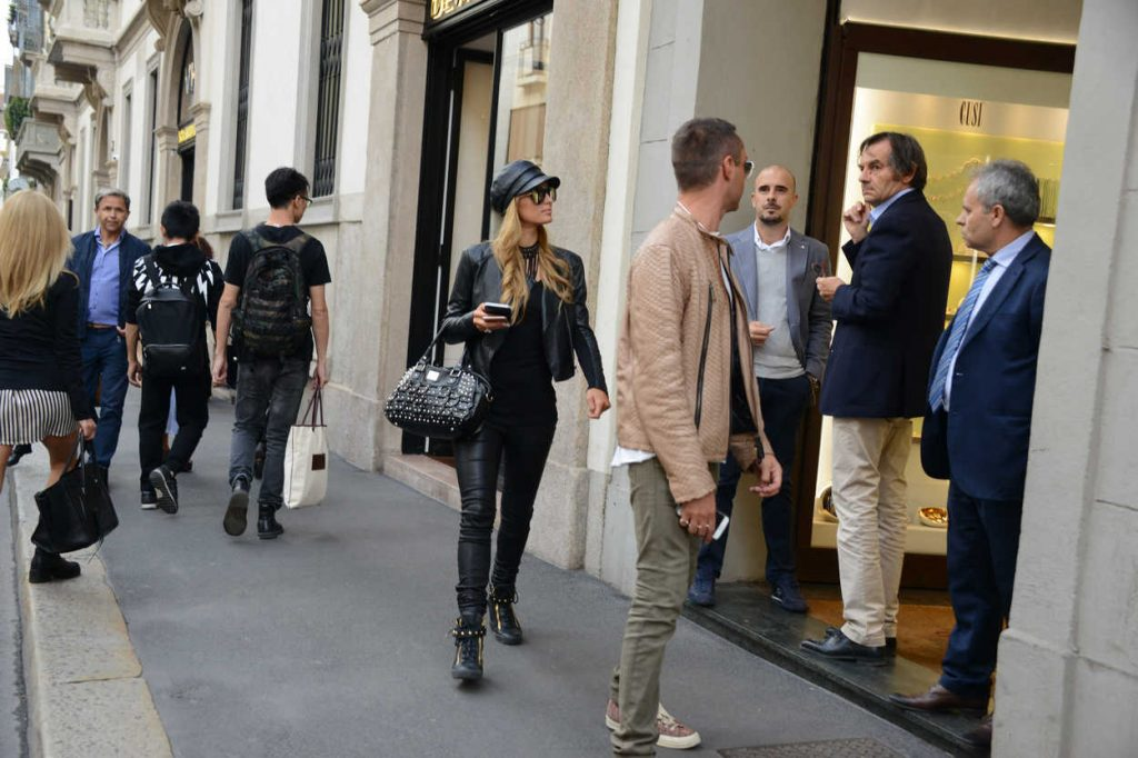 Paris Hilton Was Seen Out in Paris 09/21/2016-4
