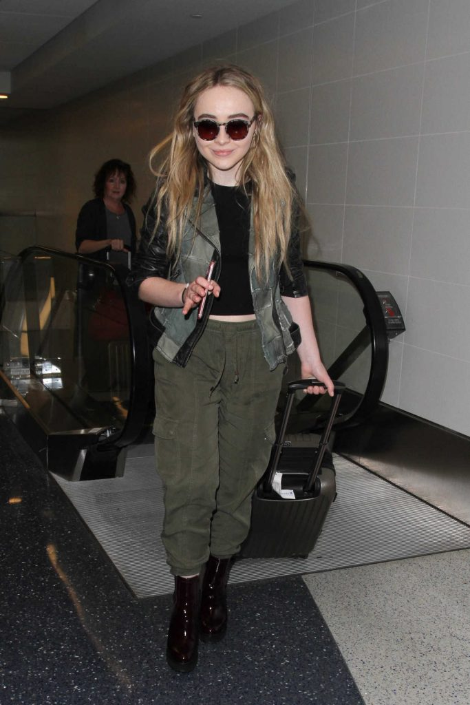 Sabrina Carpenter Was Seen at a LAX Airport in Los Angeles 09/20/2016-1