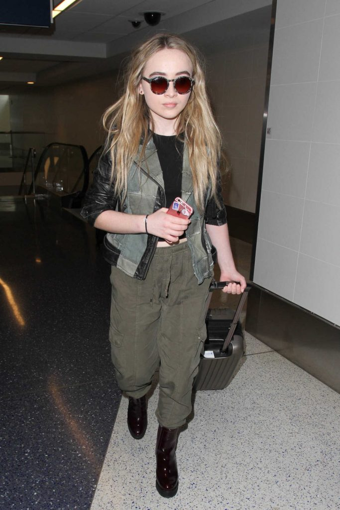 Sabrina Carpenter Was Seen at a LAX Airport in Los Angeles 09/20/2016-2