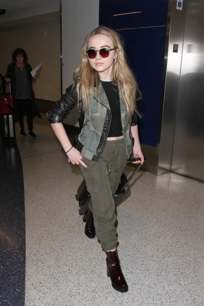 Sabrina Carpenter Was Seen at a LAX Airport in Los Angeles 09/20/2016-3