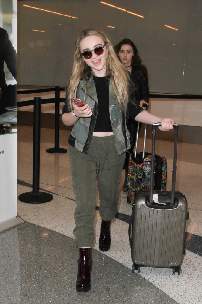 Sabrina Carpenter Was Seen at a LAX Airport in Los Angeles 09/20/2016-4