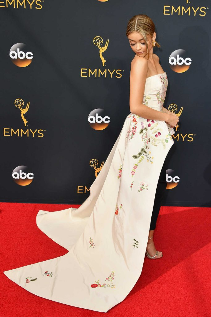 Sarah Hyland at the 68th Emmy Awards in Los Angeles 09/18/2016-4