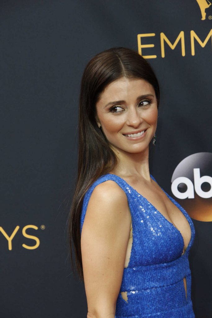 Shiri Appleby at the 68th Emmy Awards in Los Angeles 09/18/2016-4