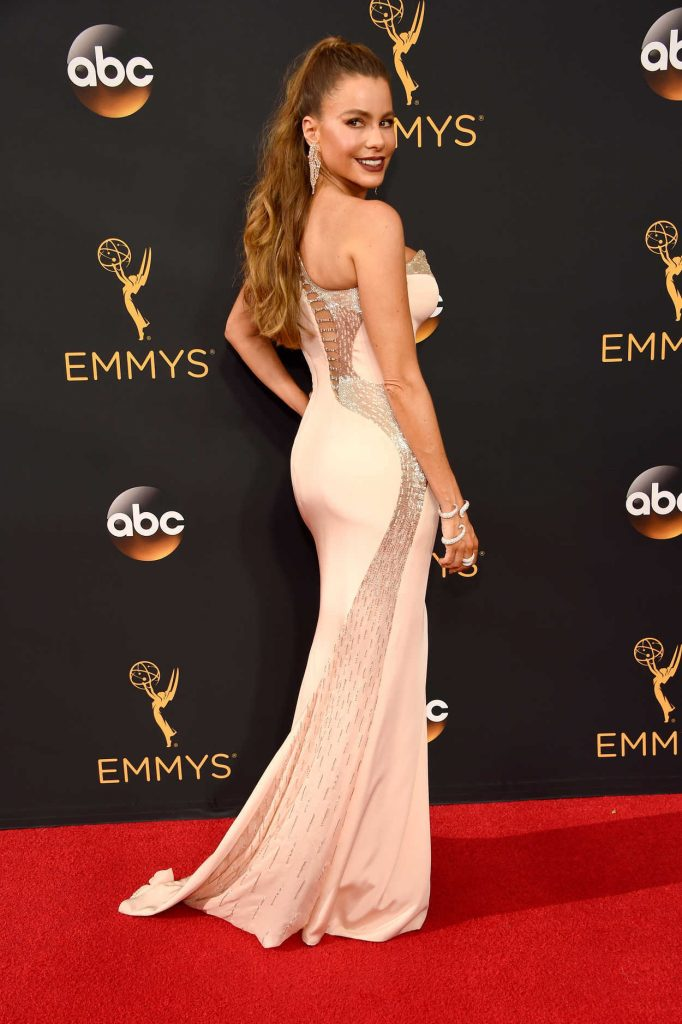 Sofia Vergara at the 68th Emmy Awards in Los Angeles 09/18/2016-2