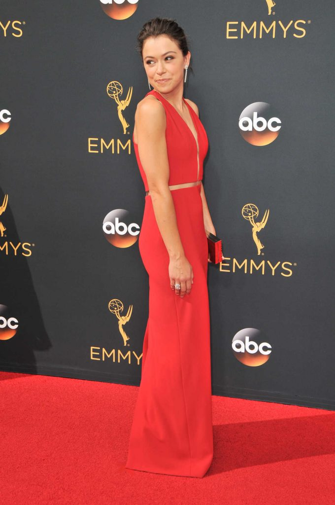 Tatiana Maslany at the 68th Emmy Awards in Los Angeles 09/18/2016-2