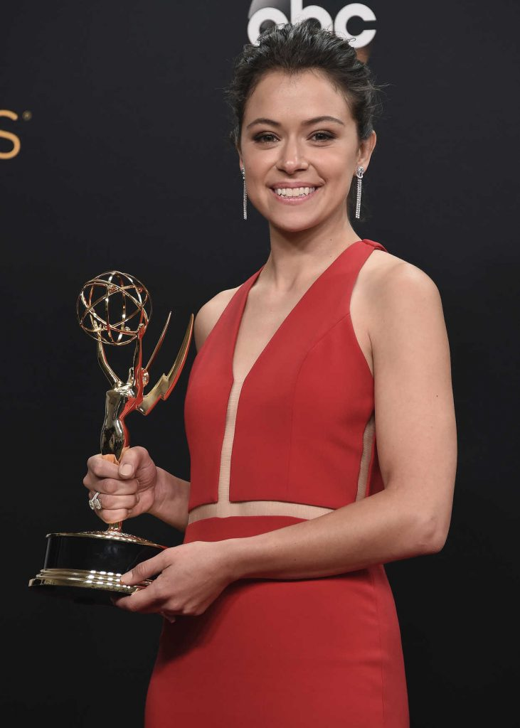 Tatiana Maslany at the 68th Emmy Awards in Los Angeles 09/18/2016-4