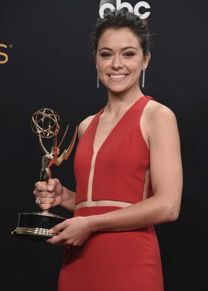 Tatiana Maslany at the 68th Emmy Awards in Los Angeles 09/18/2016-4