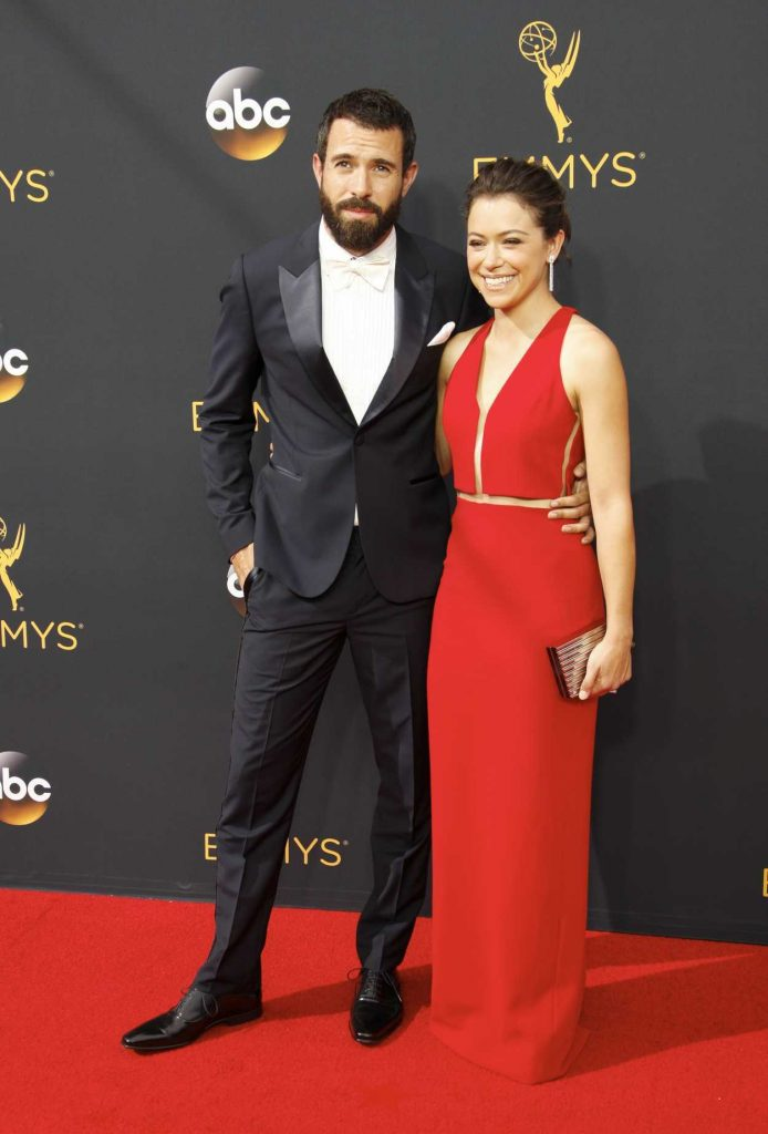 Tatiana Maslany at the 68th Emmy Awards in Los Angeles 09/18/2016-5