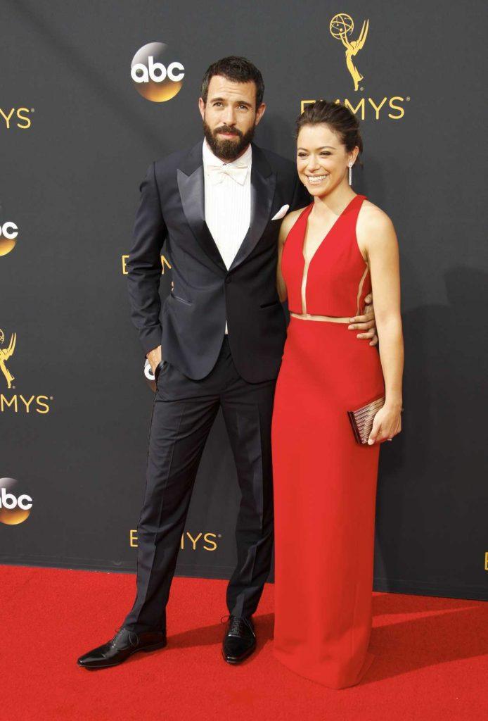 Tatiana Maslany at the 68th Emmy Awards in Los Angeles 09/18/2016-5