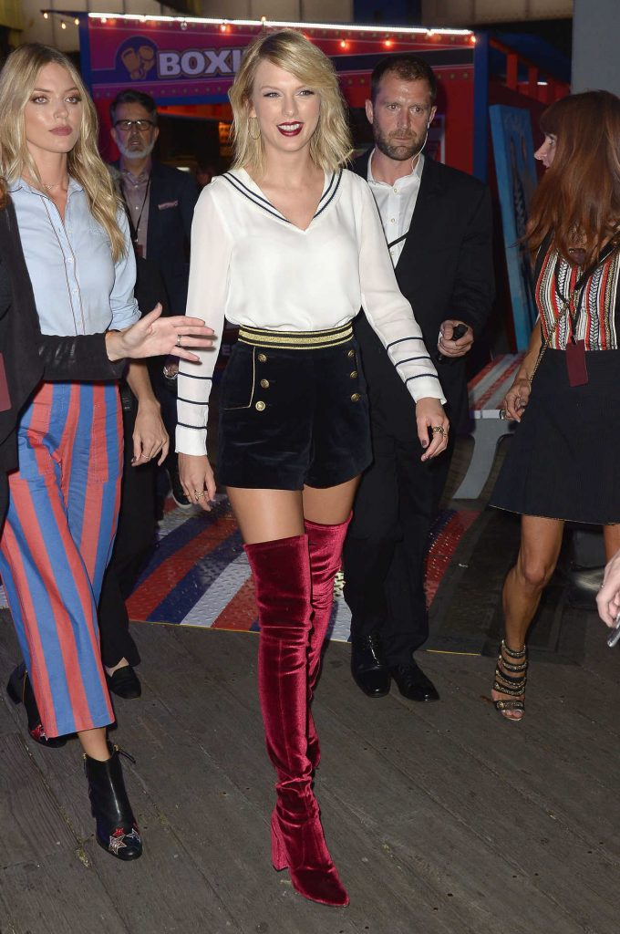 Taylor Swift at the TOMMYNOW Women's Fashion Show During New York Fashion Week 09/09/2016-1
