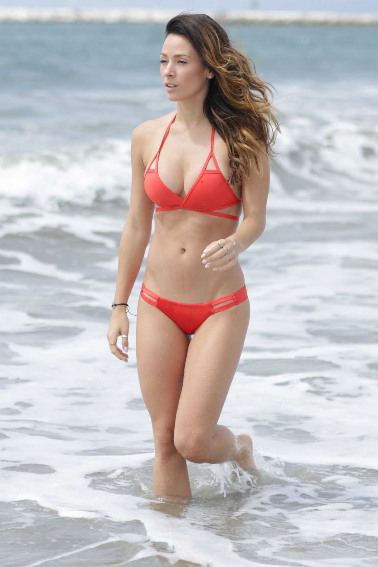 Victoria Silvstedt Shows Off Booty In Red Bikini - Egotastic