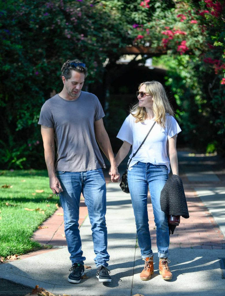 Amanda Seyfried and Thomas Sadoski Were Seen Out in North Hollywood 10/17/2016-1
