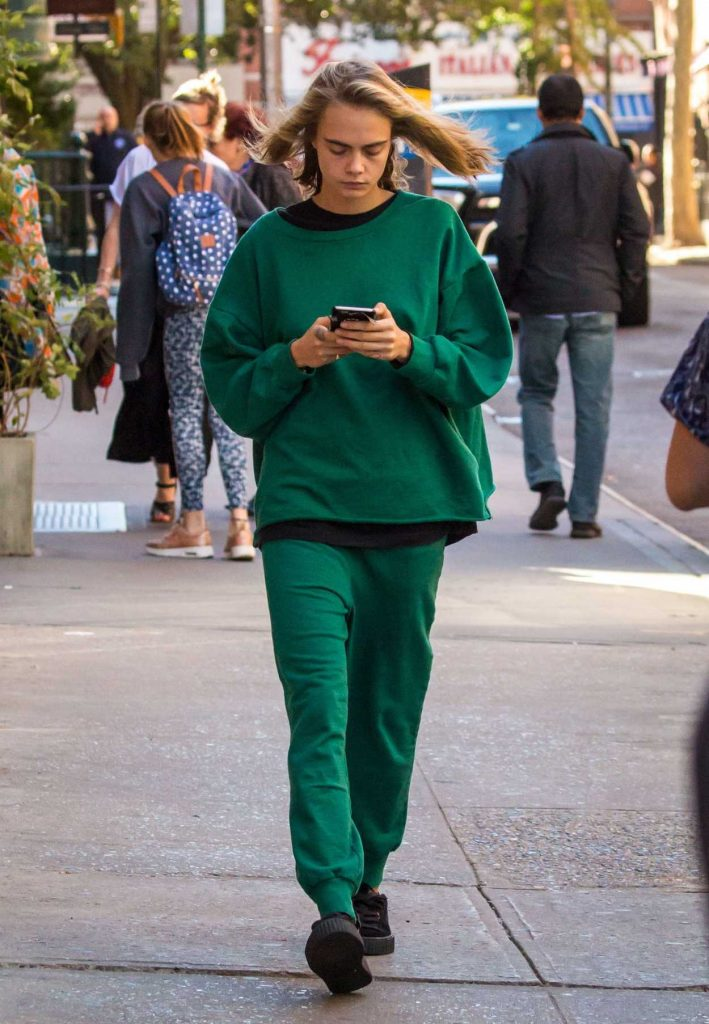 Cara Delevingne Was Seen Out in New York City 10/10/2016-1