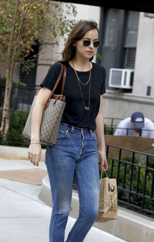 Dakota Johnson Was Seen Out in New York 10/19/2016-1