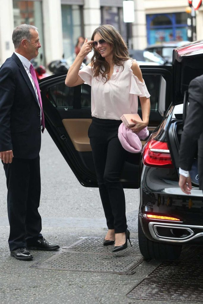 Elizabeth Hurley Arrives at the BBC Broadcasting House in London 10/06/2016-1