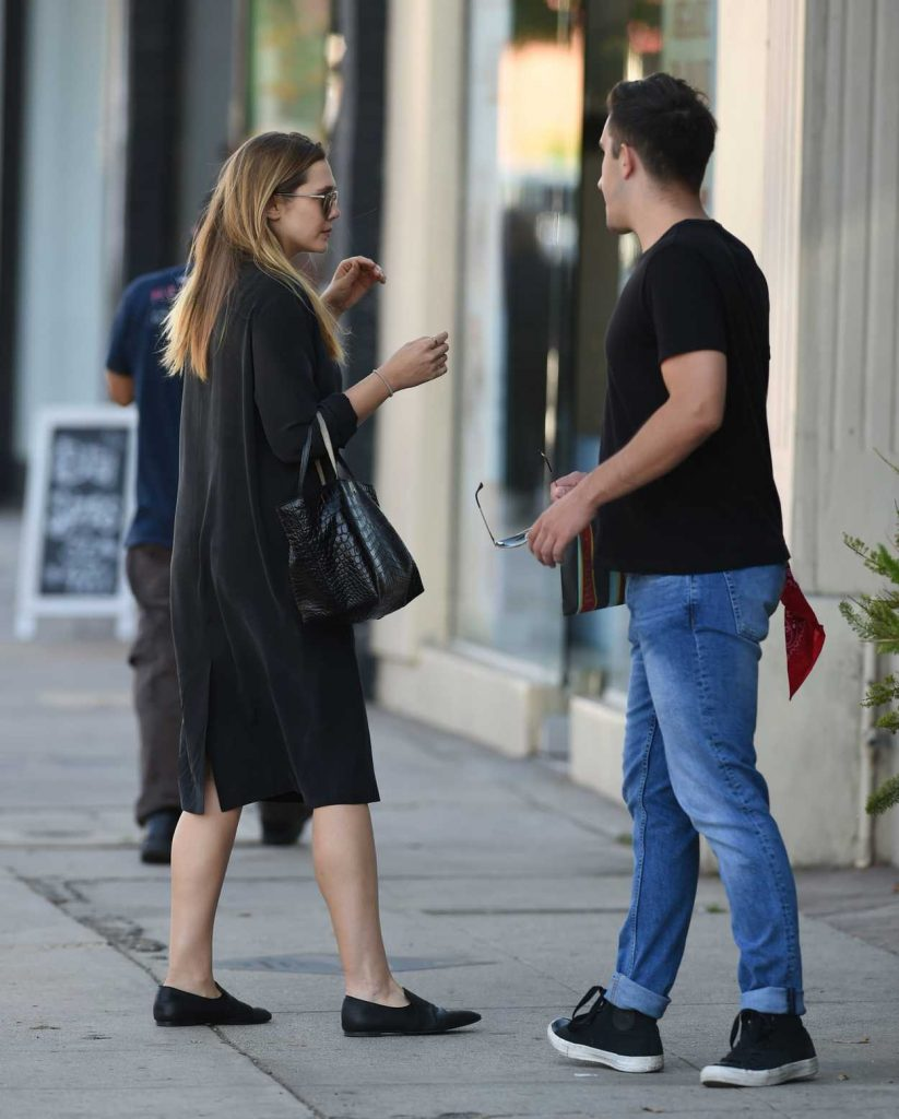 Elizabeth Olsen Was Seen With a Friend Out in in Los Angeles 10/06/2016-2
