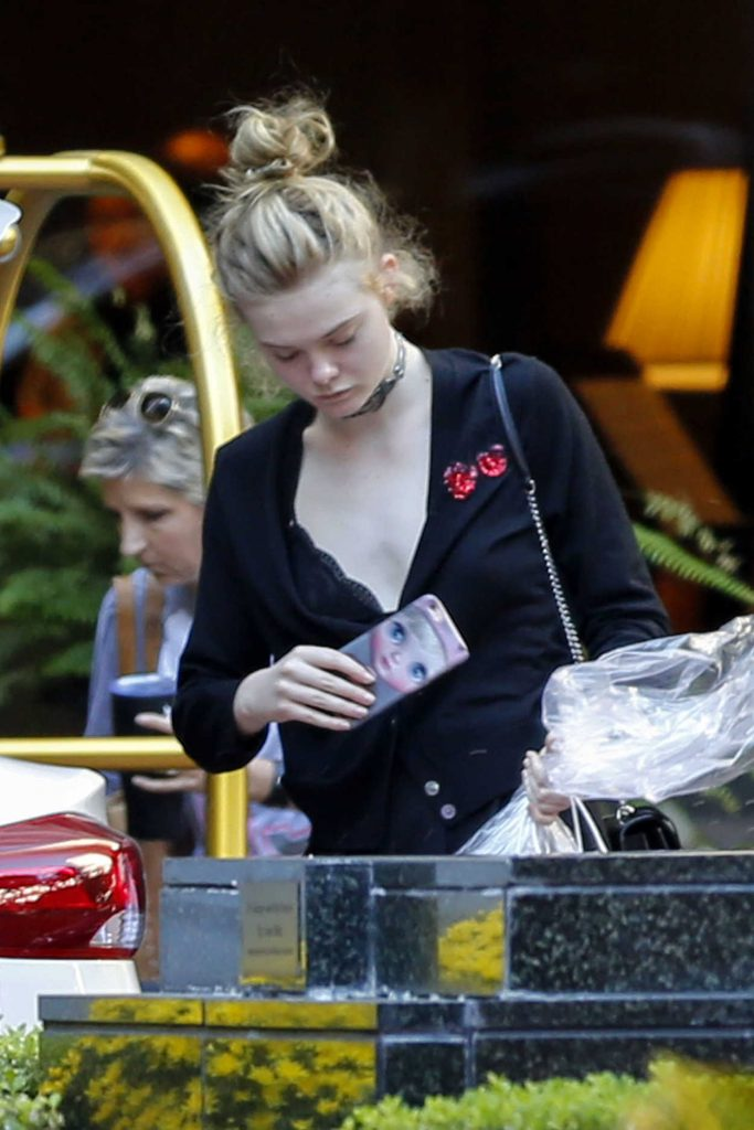 Elle Fanning Goes Shopping in New Orleans 10/29/2016-1