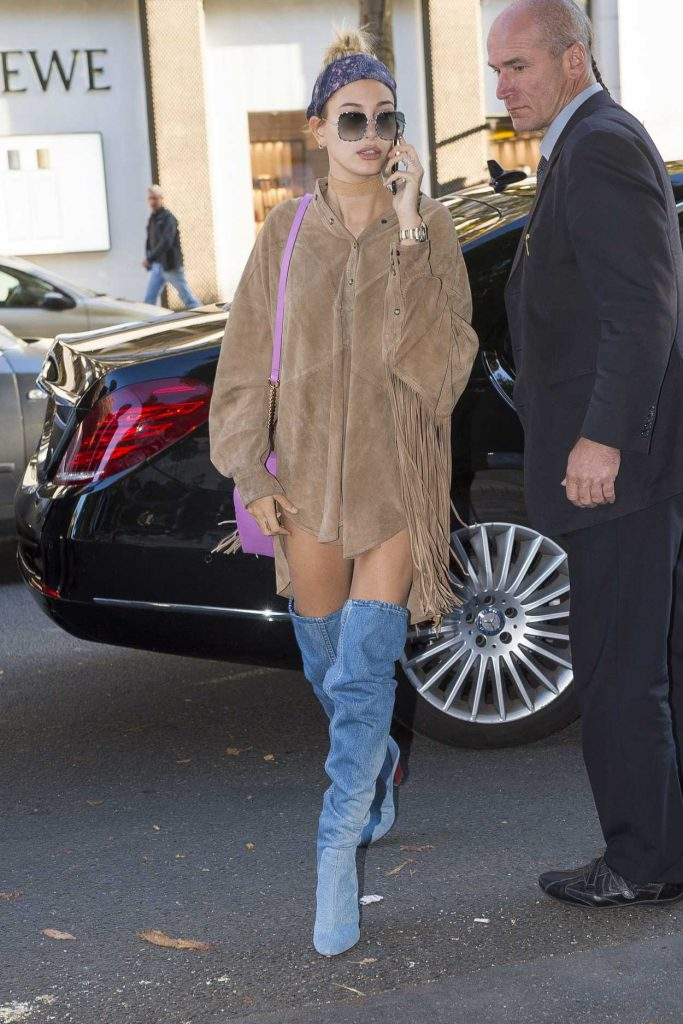 Hailey Baldwin Goes Shopping at Yves Saint Laurent in Paris 10/03/2016-1