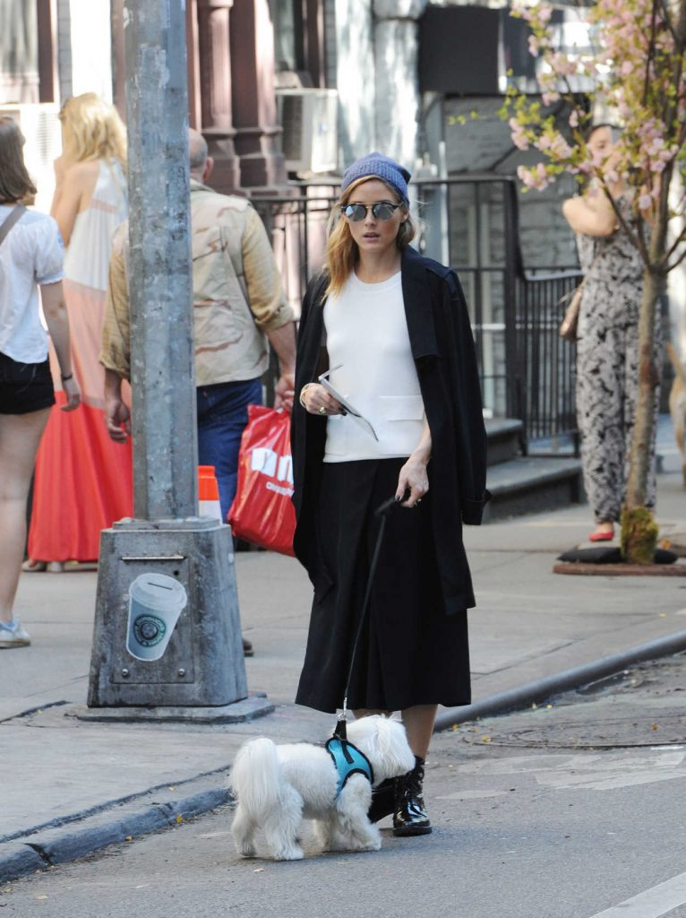 Olivia Palermo With Her Dog Mr Butler Was Seen Out in Soho, New York 10/18/2016-3