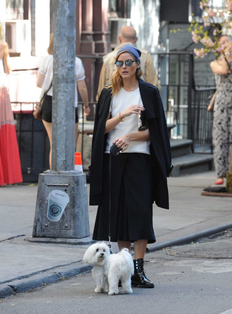 Olivia Palermo With Her Dog Mr Butler Was Seen Out in Soho, New York 10/18/2016-4