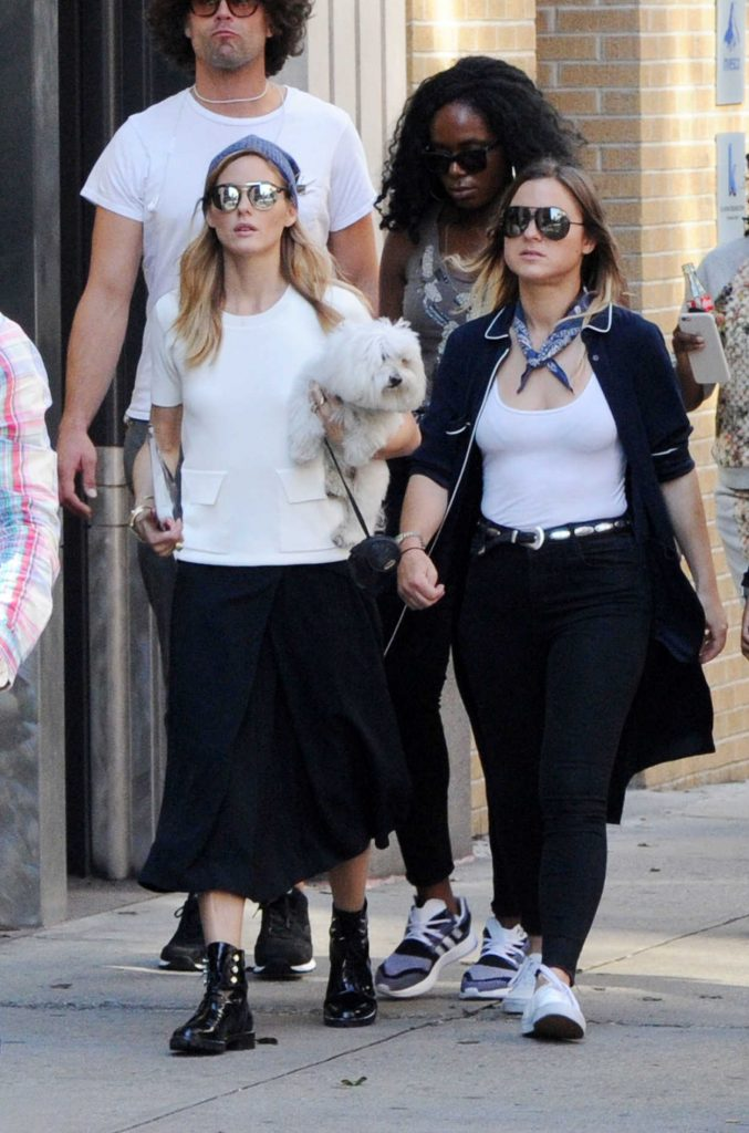 Olivia Palermo With Her Dog Mr Butler Was Seen Out in Soho, New York 10/18/2016-5