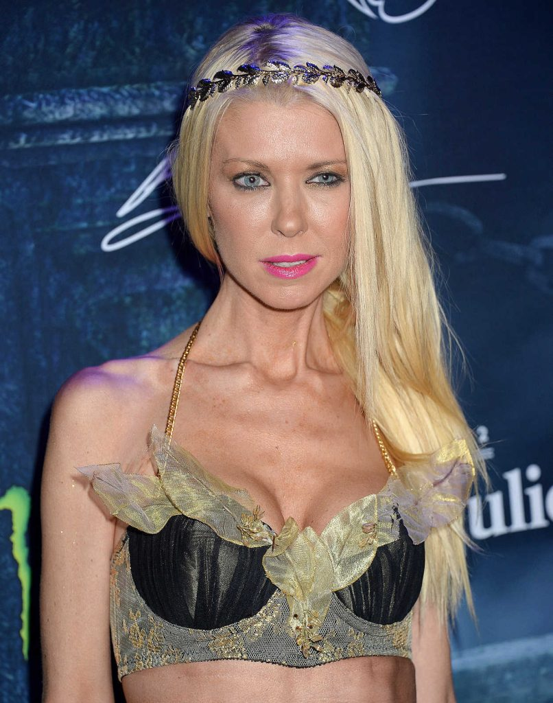 Tara Reid at the Maxim Halloween Party in Los Angeles 10/22/2016-4