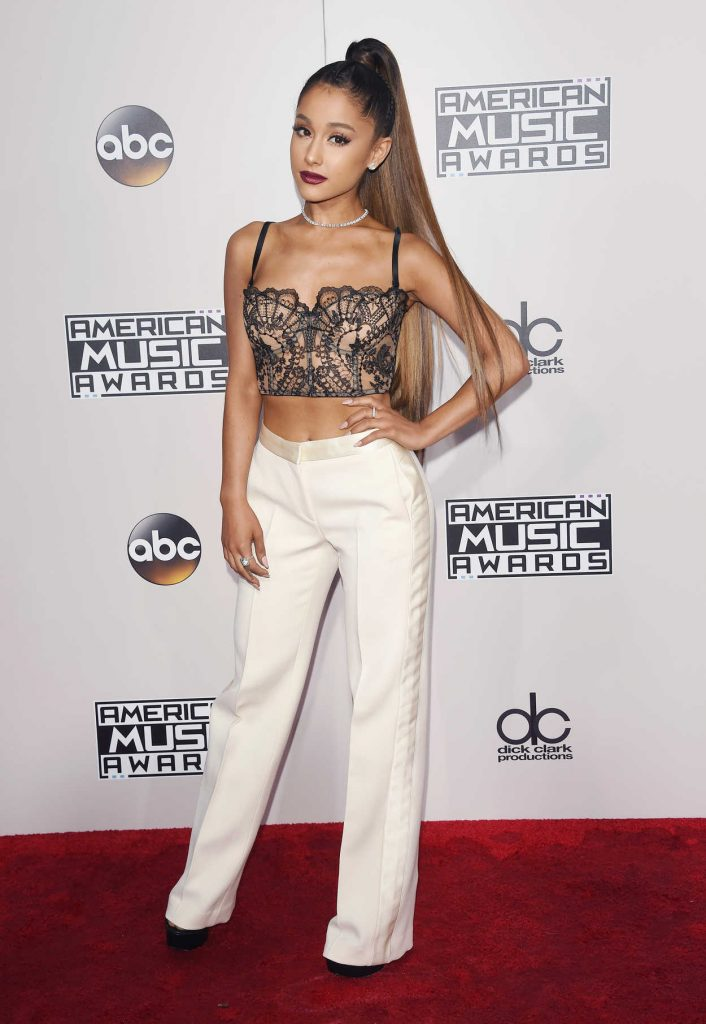 Ariana Grande at the 2016 American Music Awards at the Microsoft Theater in Los Angeles 11/20/2016-1