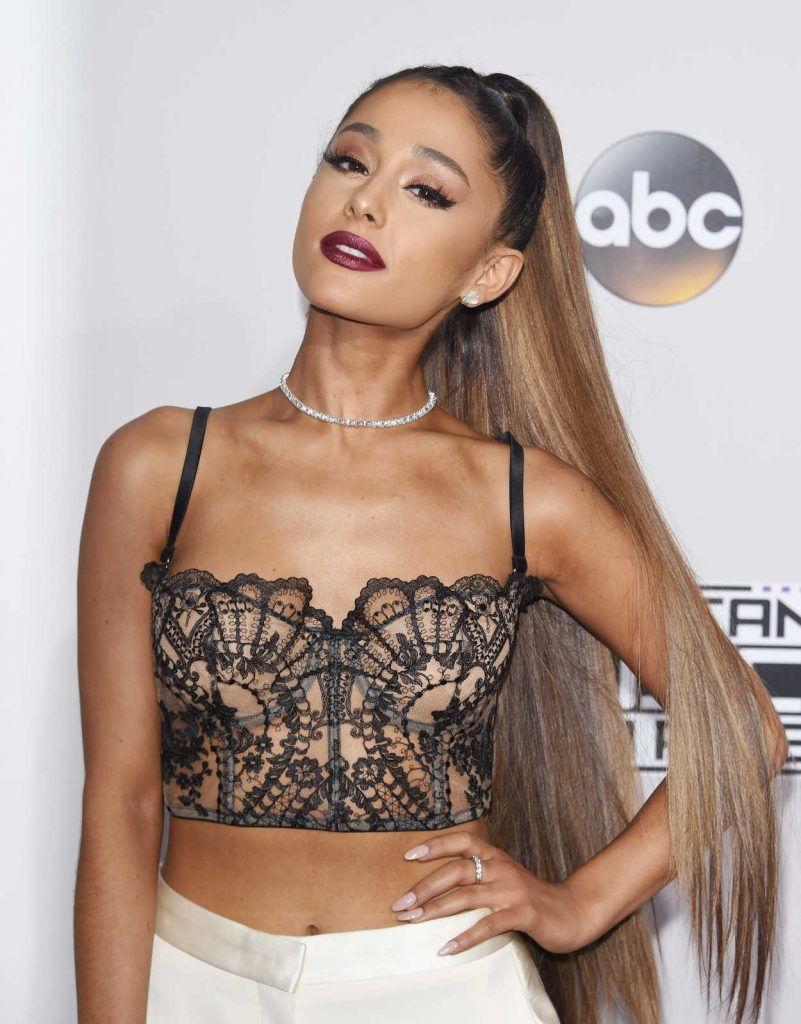 Ariana Grande at the 2016 American Music Awards at the Microsoft Theater in Los Angeles 11/20/2016-5