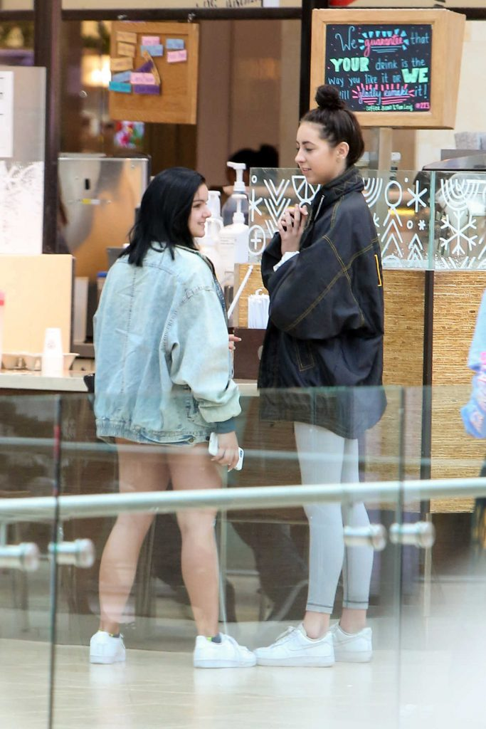 Ariel Winter go Out for a Coffee at Westfield Century City in Santa Monica 11/19/2016-1