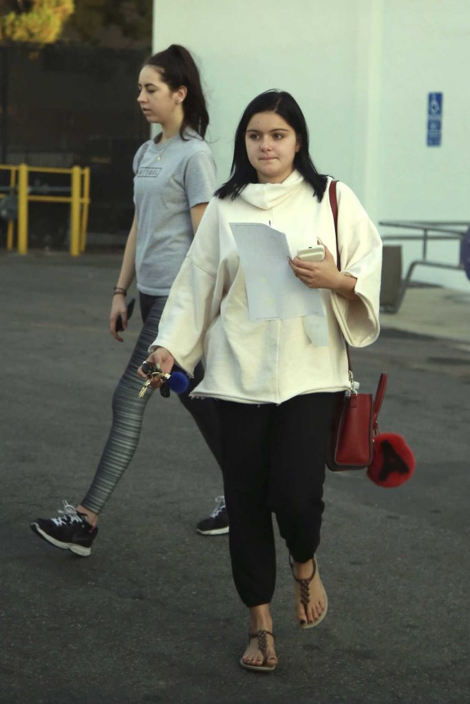 Ariel Winter Goes Shopping in Los Angeles 11/07/2016-1