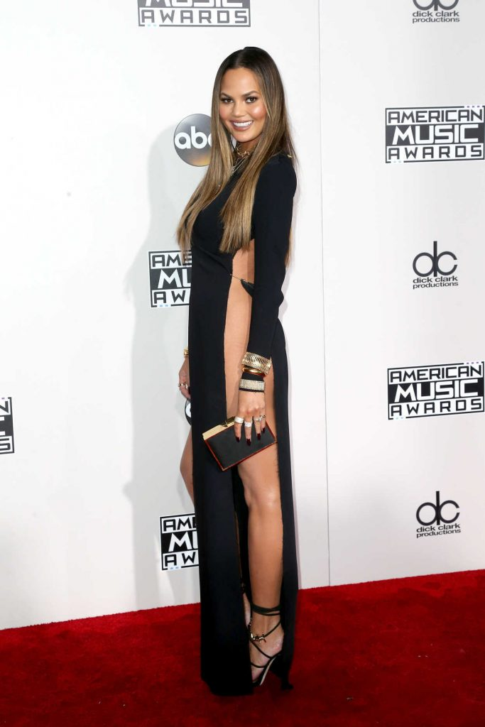 Chrissy Teigen at the 2016 American Music Awards at the Microsoft Theater in Los Angeles 11/20/2016-4