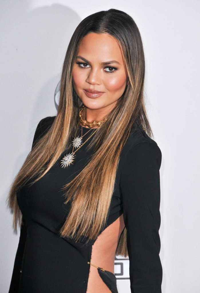 Chrissy Teigen at the 2016 American Music Awards at the Microsoft Theater in Los Angeles 11/20/2016-5