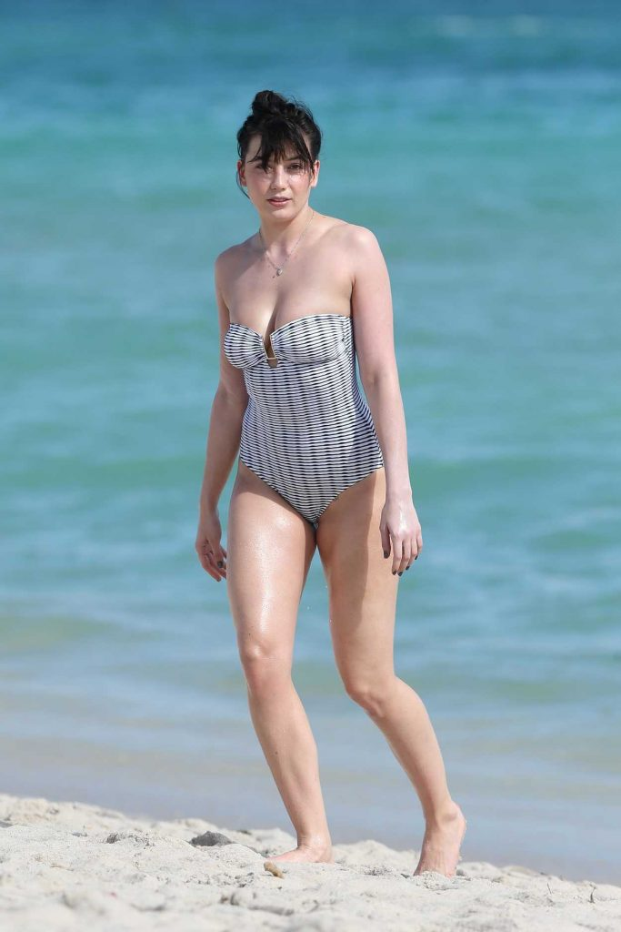 Daisy Lowe Wearing a Swimsuit at the Beach in Miami 12/23/2016-1