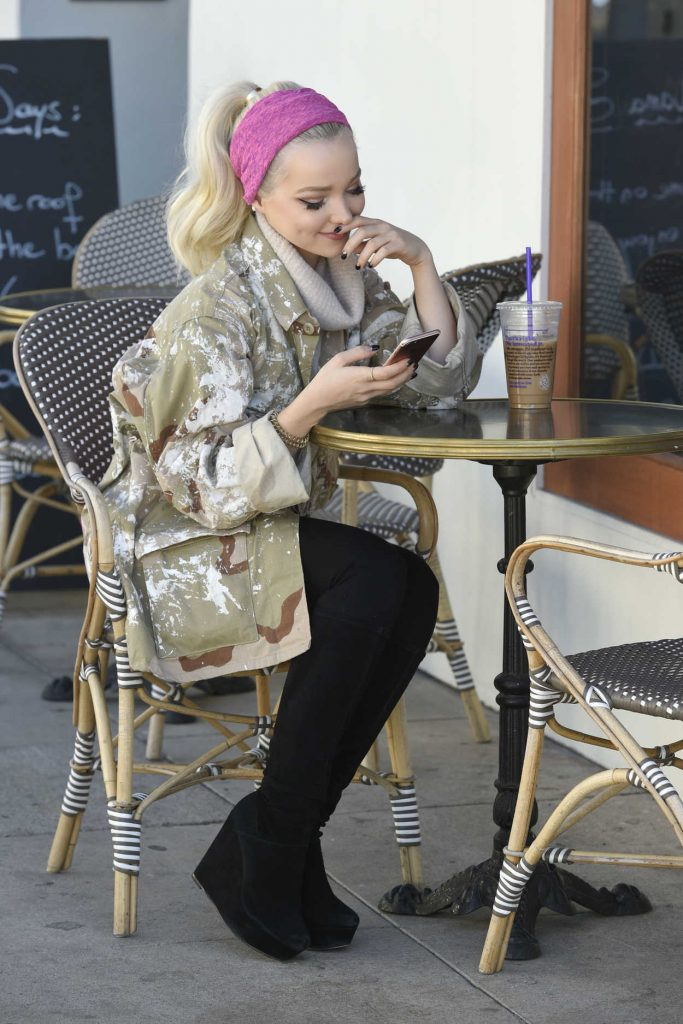 Dove Cameron Leaves Lunch With Her Manager in Los Angeles 12/19/2016-1