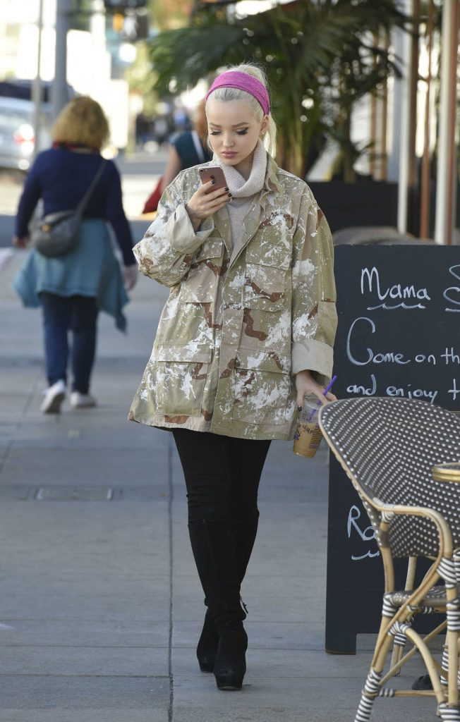 Dove Cameron Leaves Lunch With Her Manager in Los Angeles 12/19/2016-4