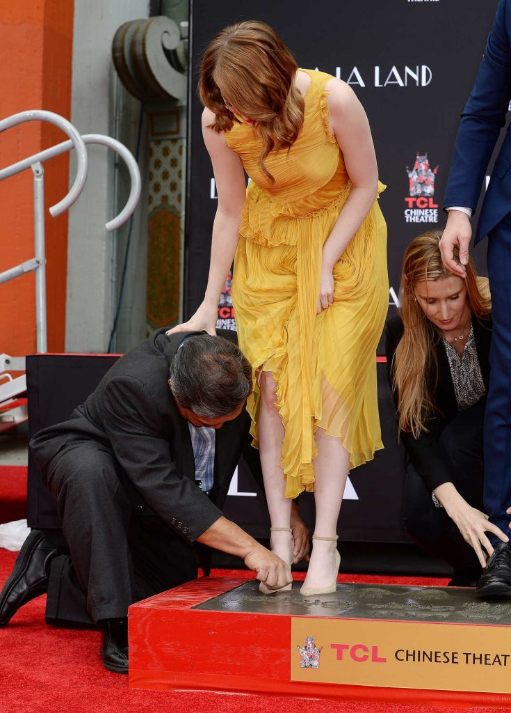 Emma Stone at the La La Land Hand and Footprint Ceremony in Los Angeles 12/07/2016-3