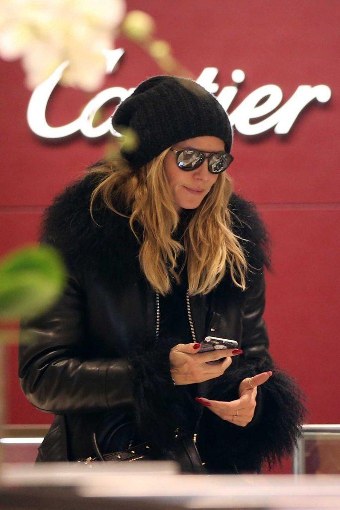 Heidi Klum Goes Shopping in Aspen 12/22/2016-3