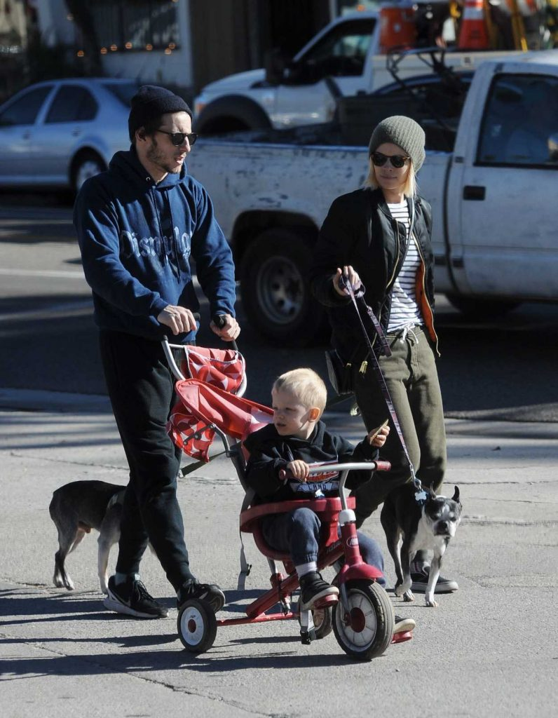 Kate Mara and Her Boyfriend Jamie Bell Were Seen Out in Los Angeles 12/20/2016-1