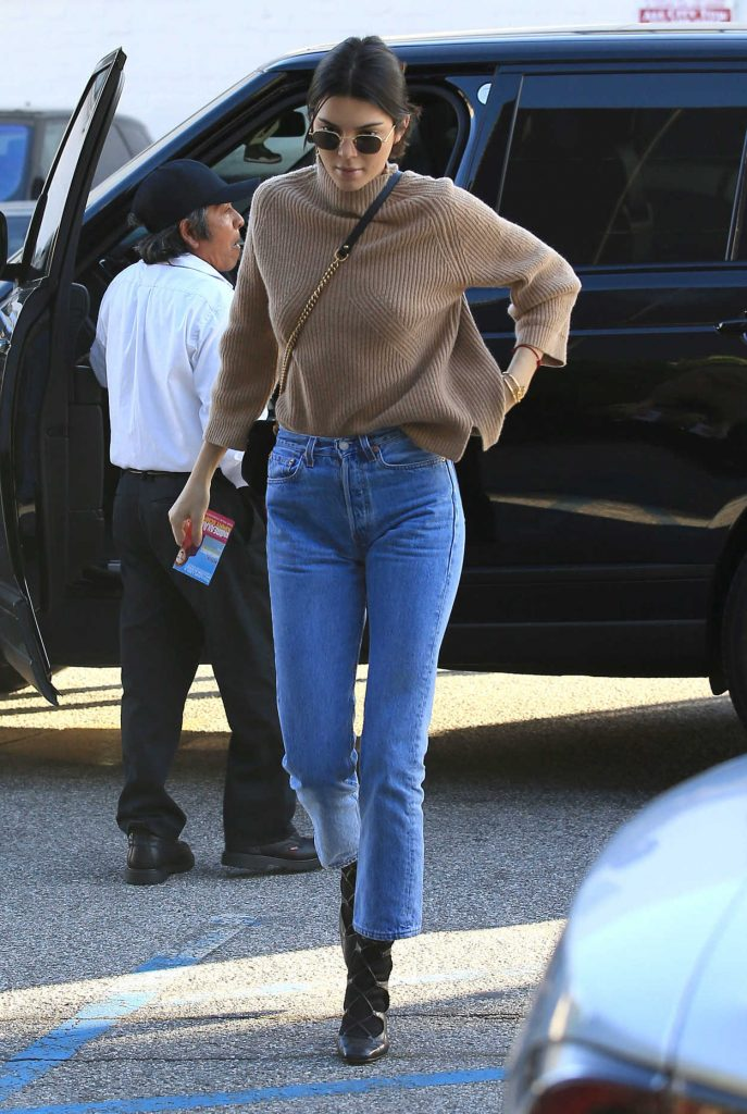 Kendall Jenner Stops by XIV Karats in Beverly Hills 12/28/2016-1