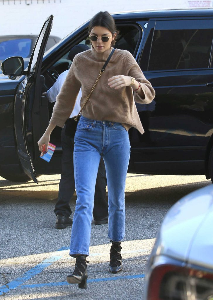 Kendall Jenner Stops by XIV Karats in Beverly Hills 12/28/2016-2
