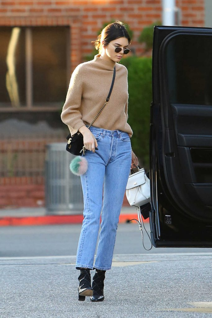 Kendall Jenner Stops by XIV Karats in Beverly Hills 12/28/2016-3