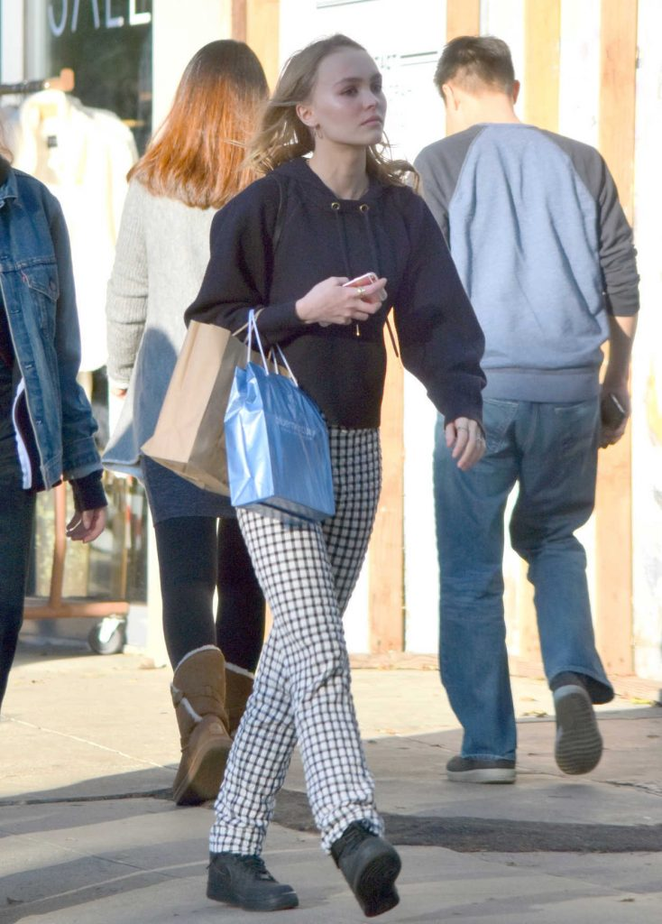 Lily-Rose Depp Goes Shopping With a Friend in Los Angeles 12/17/2016-1