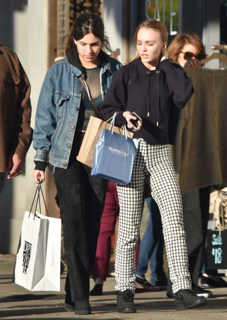 Lily-Rose Depp Goes Shopping With a Friend in Los Angeles 12/17/2016-4