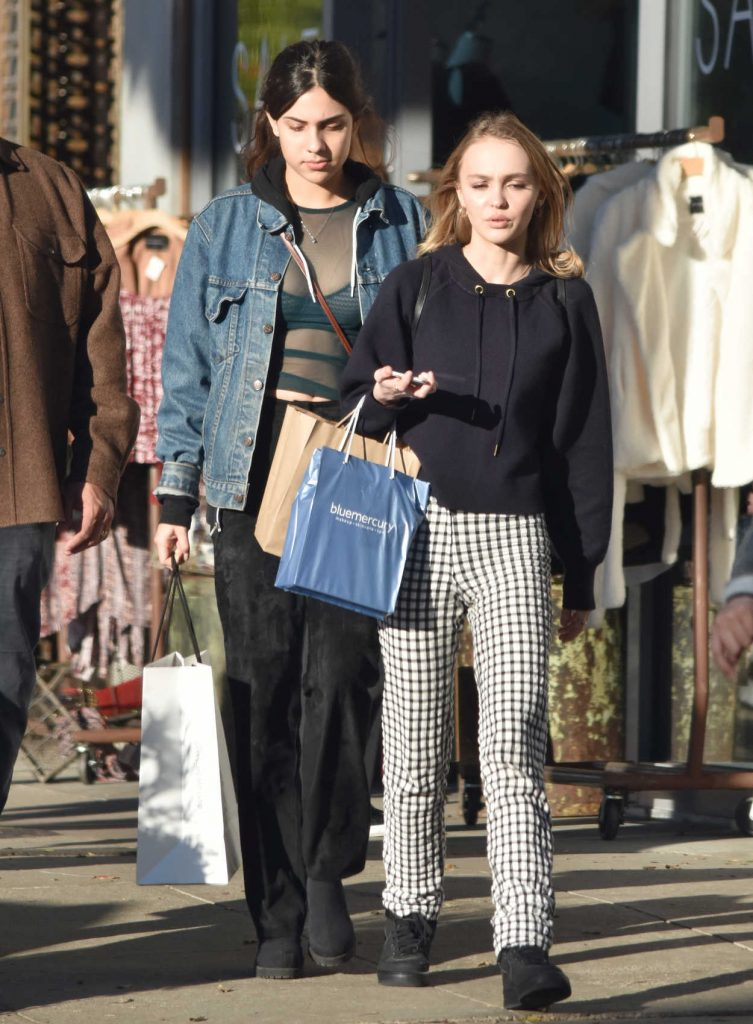 Lily-Rose Depp Goes Shopping With a Friend in Los Angeles 12/17/2016-5