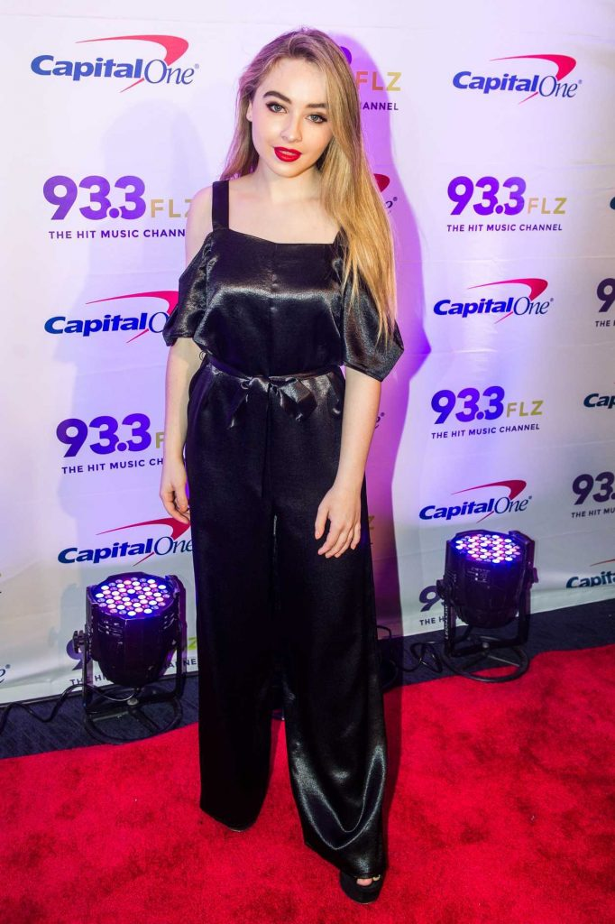 Sabrina Carpenter at the 93.3 FLZ FM's Jingle Ball in Tampa 12/17/2016-1