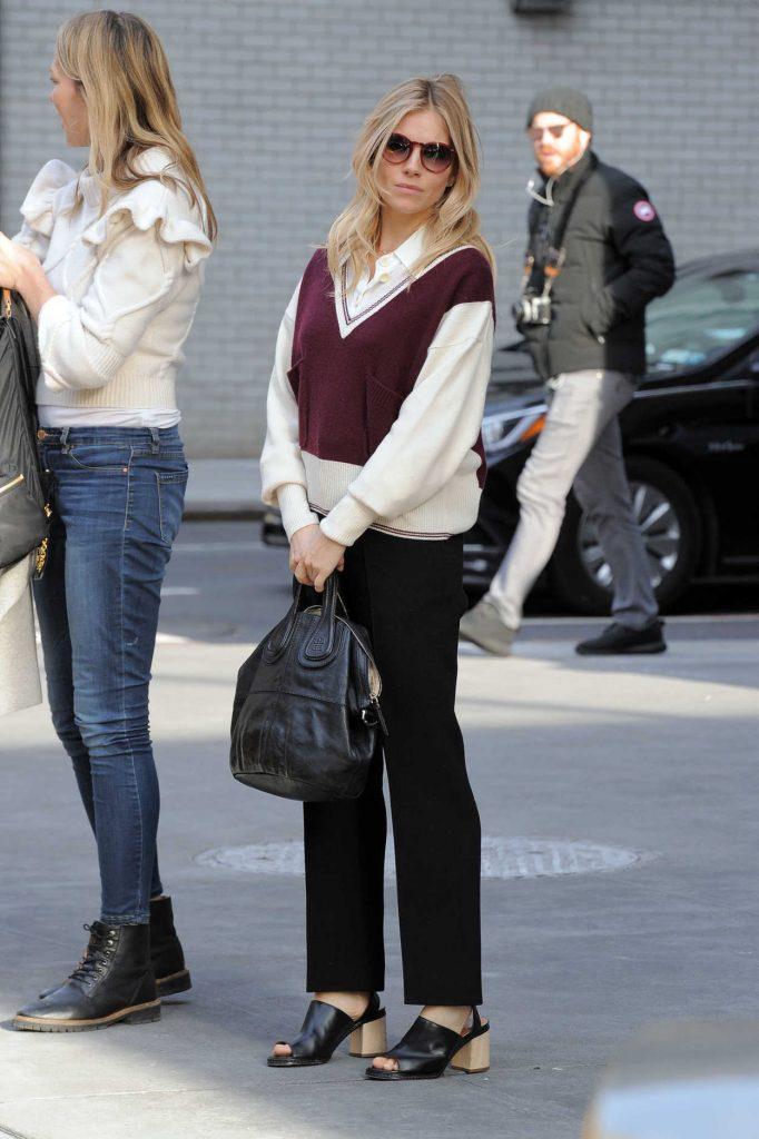 Sienna Miller Was Seen Out in Manhattan, New York 12/13/2016-1