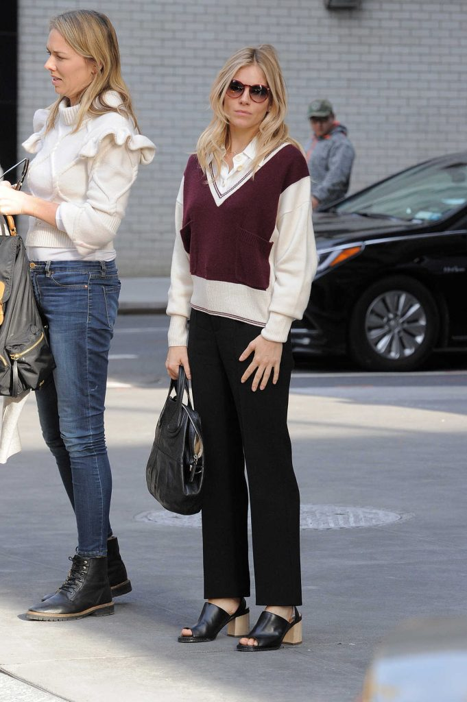 Sienna Miller Was Seen Out in Manhattan, New York 12/13/2016-3