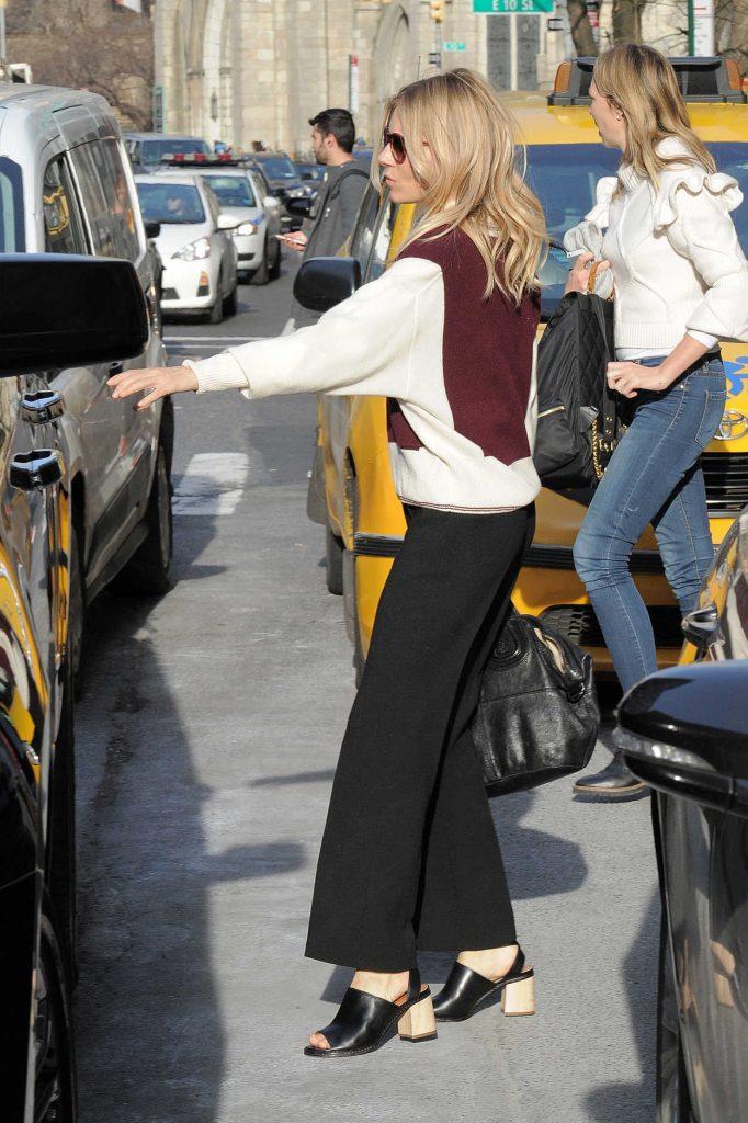 Sienna Miller Was Seen Out in Manhattan, New York 12/13/2016-5