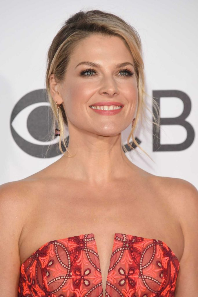 Ali Larter at the 43rd Annual People's Choice Awards in Los Angeles 01/18/2017-5