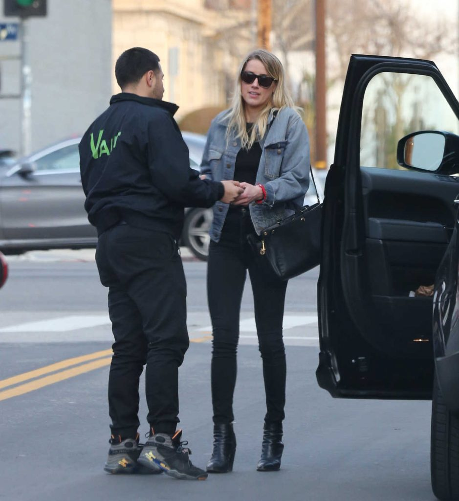 Amber Heard Was Seen Out in Los Angeles 01/15/2017-1